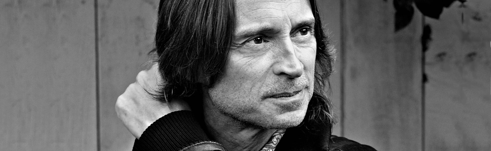 robert carlyle scotland tonight
